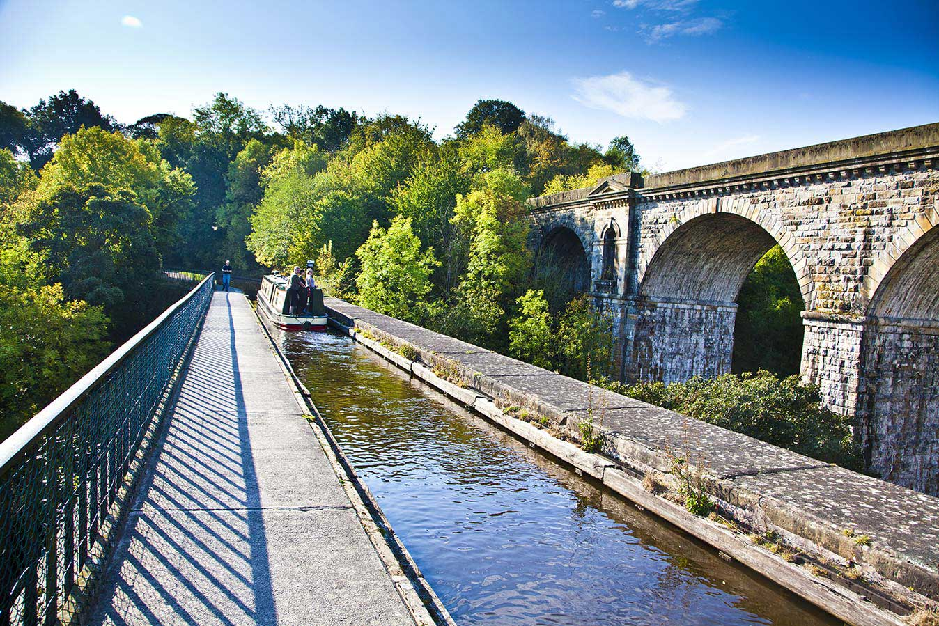 *barge on chirk aqueduct