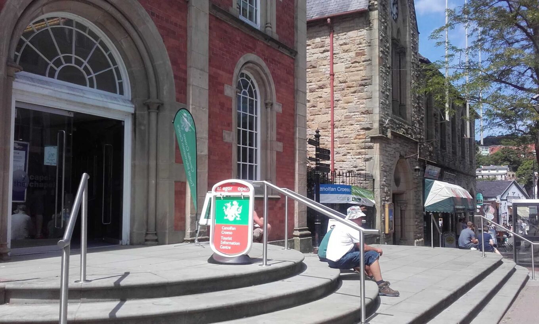 *Llangollen Tourist Information Centre