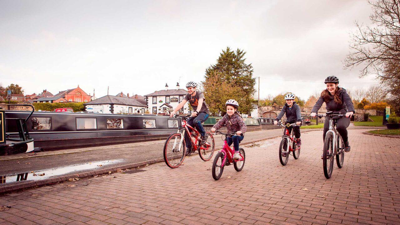 *family bike ride on Llangollen Canal