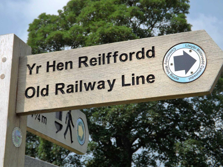 *old railway line walk fingerpost