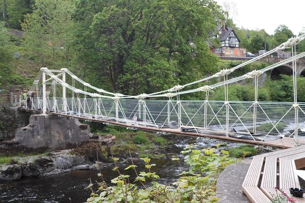 *Chain Bridge