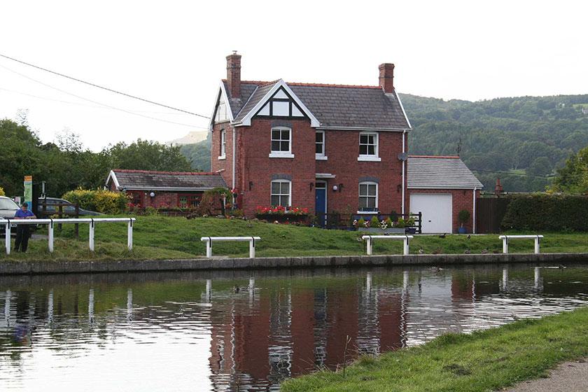 Lengthsman's house, Froncysyllte