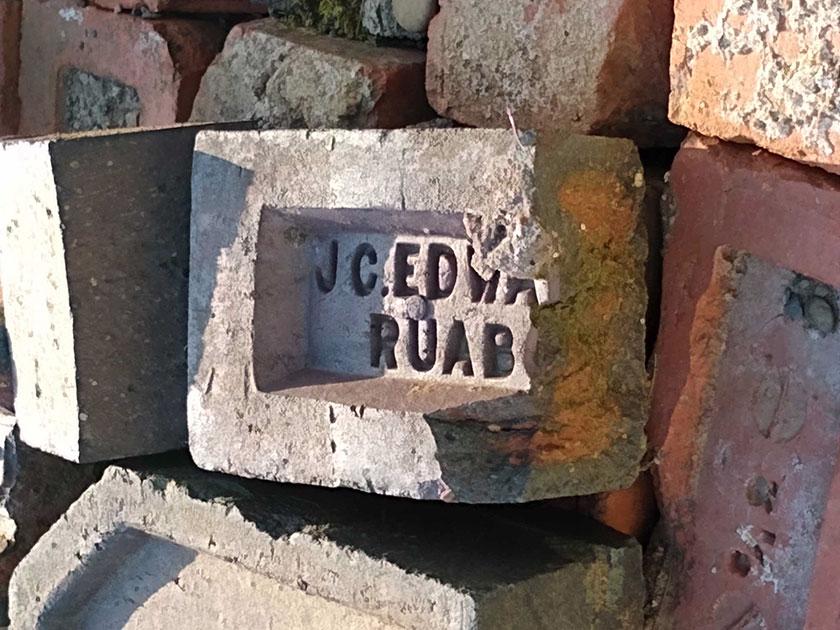 J C Edwards brick showing frog