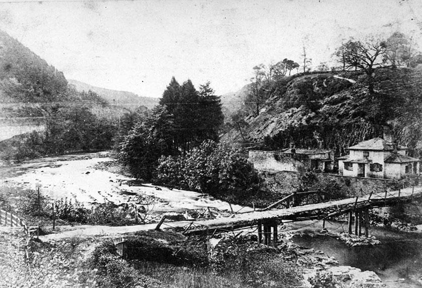 First Bridge, first hotel