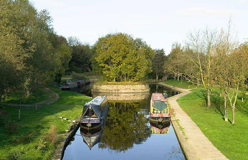 Spurs for Ruabon Brook railway and Plas Kynaston Canal