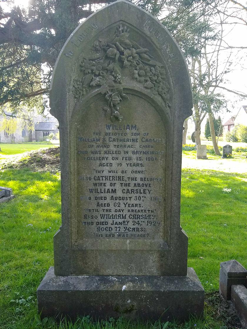 Gravestone of miner killed in Brynkinallt