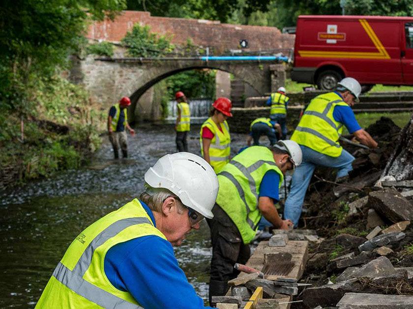 Modern canal maintenance